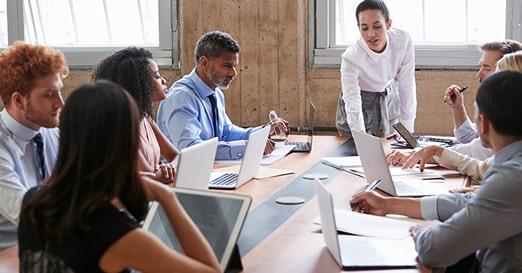 Zelfsturende Teams: voordelen, nadelen & randvoorwaarden